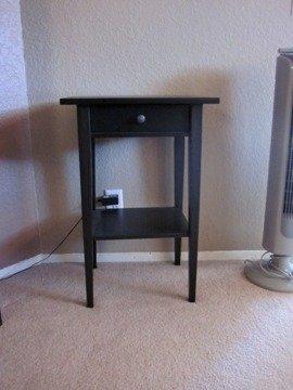 HEMNES Modern, Nachttisch, in schwarz -